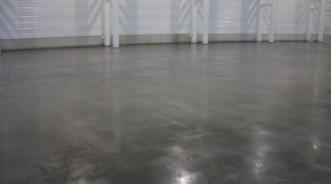 Как оценить плоскость и горизонтальность пола при ремонте бетонных оснований