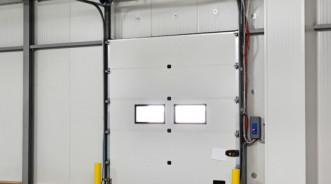 Секционные ворота промышленного типа от Alutech