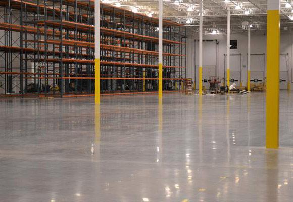 Восстановление бетонного пола: обзор работ на примере склада компании Uline