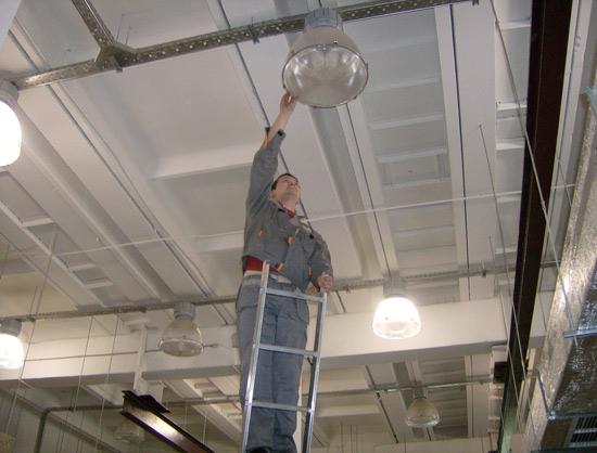 Размещение промышленных светильников