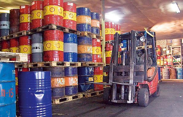 Оборудование на складах нефти
