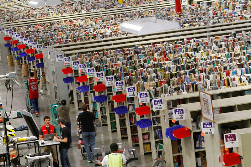 inside-amazons-chaotic-storage-warehouses-5