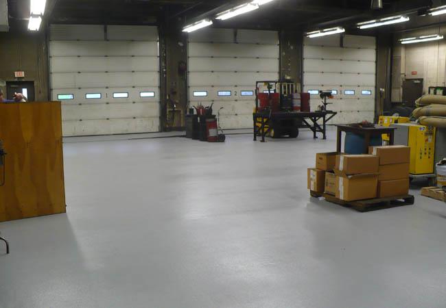 Тонкослойное полимерное упрочняющее и обеспыливающее покрытие для бетонных полов