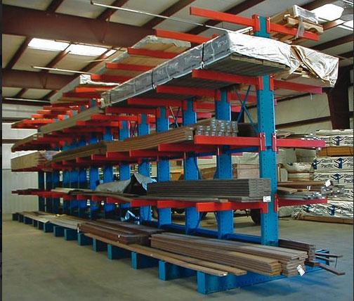 Складские консольные стеллажи для хранения негабаритных стройматериалов